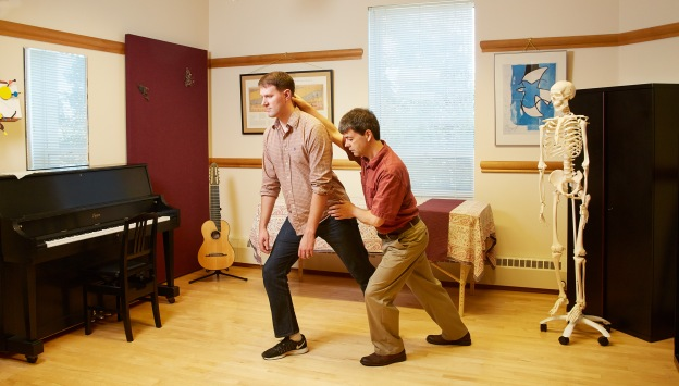 Jonathan Leathwood teaching the lunge to a student in an Alexander Technique lesson